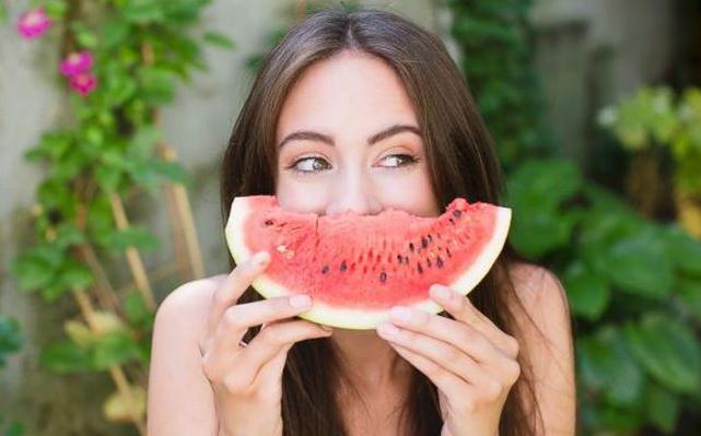 Photo of ماذا تعلم عن فوائد البطيخ الاحمر للصحة العامة ؟