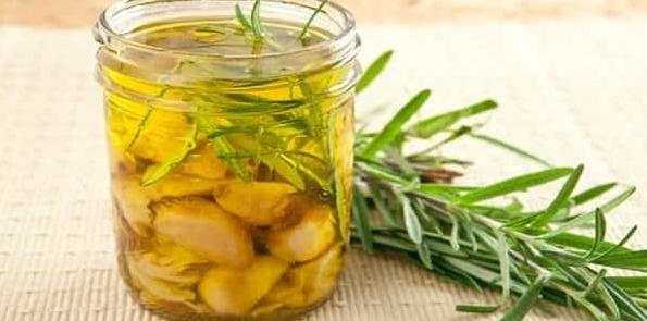 فوائد الثوم وزيت الزيتون للشعر واهم وصفاتهم