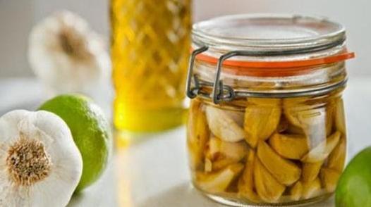 فوائد الزيتون والثوم للشعر