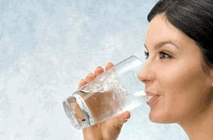 فوائد شرب الماء للشعر