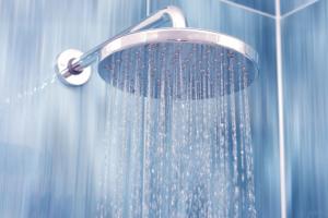 فوائد الماء البارد للشعر