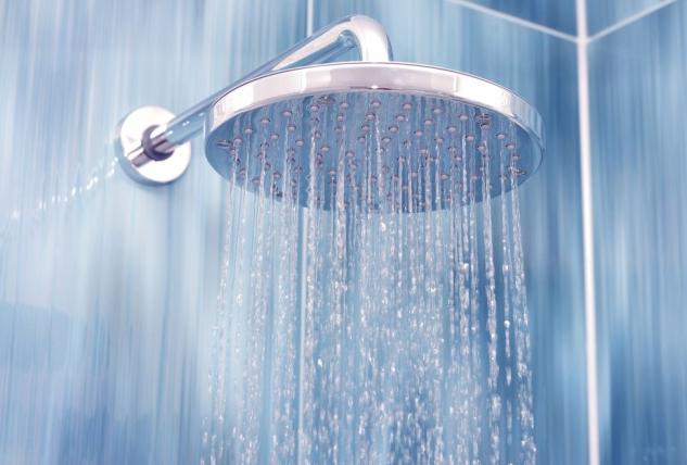 Photo of فوائد الماء البارد للشعر